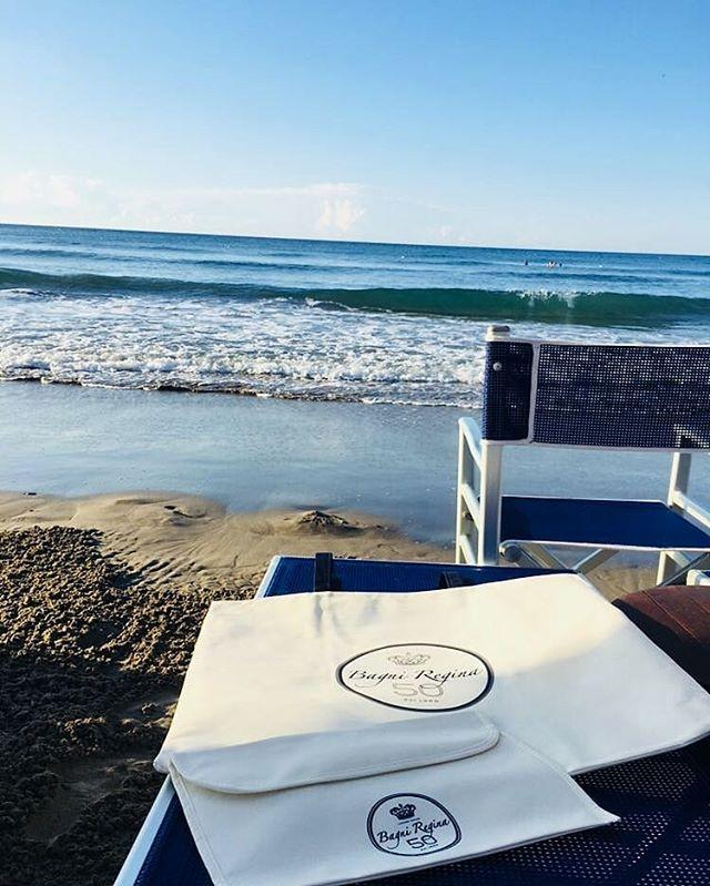 Ferragosto ai Bagni regina è sempre speciale ! Per i nostri clienti questo e altro.#15agosto #ferragosto #summer #bagniregina #andora #beach #mare #seaside #blue #water #presents #bag #50 #spiaggia #vsco #photo #nice #like #photography #picoftheday