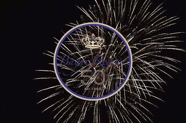 """50 anni dei Bagni Regina."""" Vecchi ricordi e nuove emozioni """"#bagniregina #fireworks #andora #50anni"""
